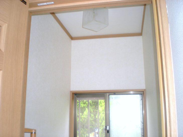 照明を天井に変えてとても明るくなりました。